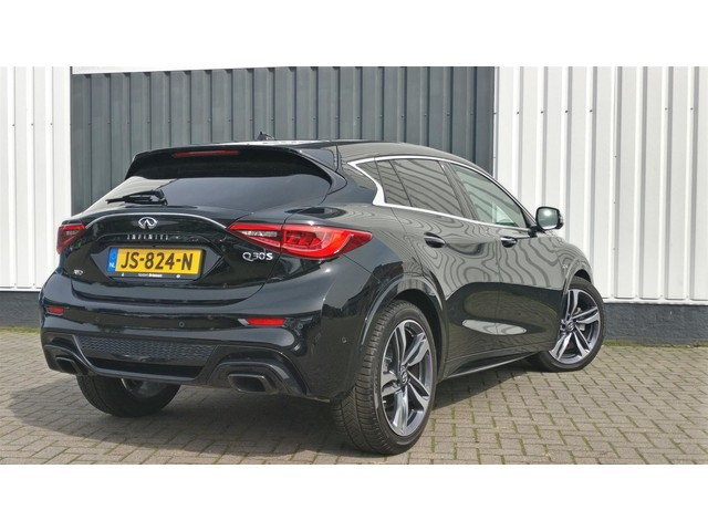 Infiniti Q30 S 2.2d Sport AWD Full Options