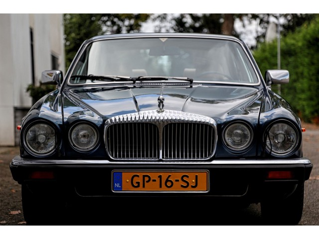 Daimler Double Six 5.3 12 Cilinder Series III VandenPlas Automaat*NL-Auto*1ste Eigenaar!*Nieuwe APK**Airco Cruise-Control*