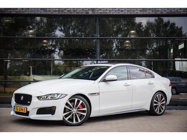 Jaguar XE 3.0 S V6 S C S, 340pk, Schuif-kanteldak, Meridian sound, Keyless entry, Lane Assist,