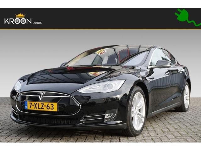 Tesla Model S 85 57.354,- incl. BTW Panorama Airsuspension