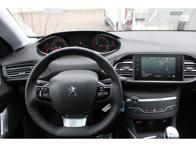 Peugeot 308 1.2 PT 130pk Allure, NAVI, LED, 17 INCH!