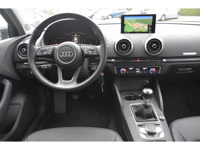 Audi A3 Limousine 1.4 TFSI CoD Design Pro Line model2017 Navigatie PDC