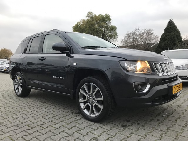 Jeep Compass 2.1 CRD Limited *LEDER+NAVI+PDC+ECC+CRUISE*