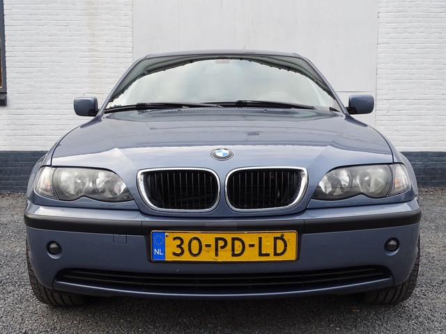BMW 3 Serie 320i Special Edition Leer-Ecc-Pdc-navi-19 Inch Lmv