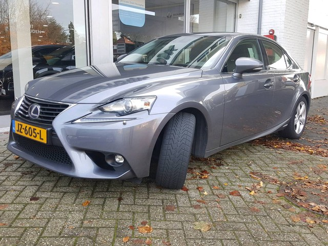Lexus IS 300h Business Line Automaat Camera, Xenon, Navig., Climate, 17'' Lichtm. velg.