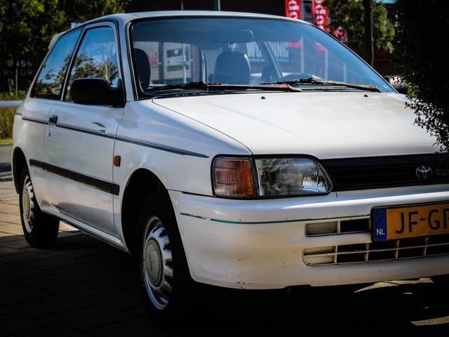Toyota Starlet 1.3 XLI APK tot 10-2019!