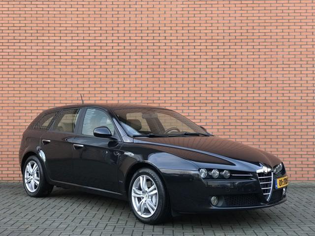 Alfa Romeo 159 Sportwagon 1.7 T Progression | ECC | Cruise | Radio cd | PDC A | Leder.