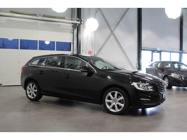 Volvo V60 2.0 D3 Momentum | Navi | Geartronic | Audio high performence |