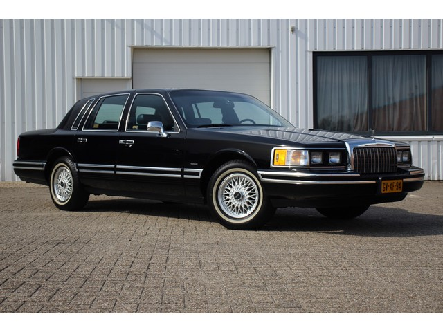 Lincoln Town Car 4.6 Signature 214pk Nieuwstaat Youngtimer