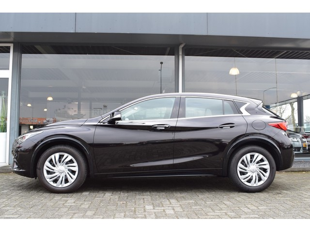 Infiniti Q30 1.5d 109pk FWD Business