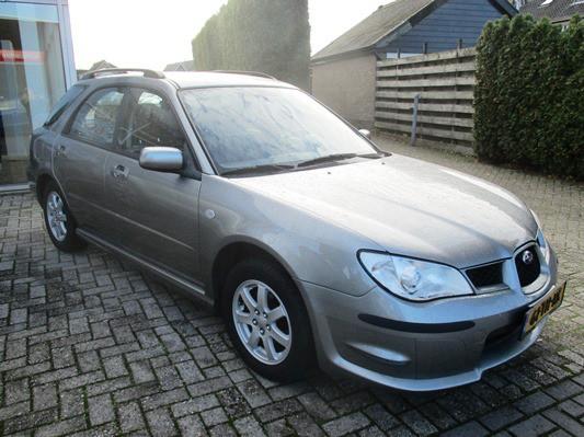Subaru Impreza Plus 1.5R Comfort dealer NL auto! airco! cruise control! trekhaak! 4WD!