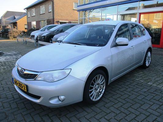 Subaru Impreza 1.5R Luxury dealer NL auto! parkeersensoren! cruise control! zeer mooi!
