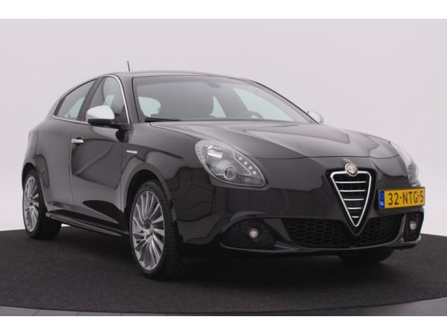 Alfa Romeo Giulietta 1.4 T Distinctive 170PK | Climate control | Cruise control | Lichtmetalen velgen | Electrisch pakket