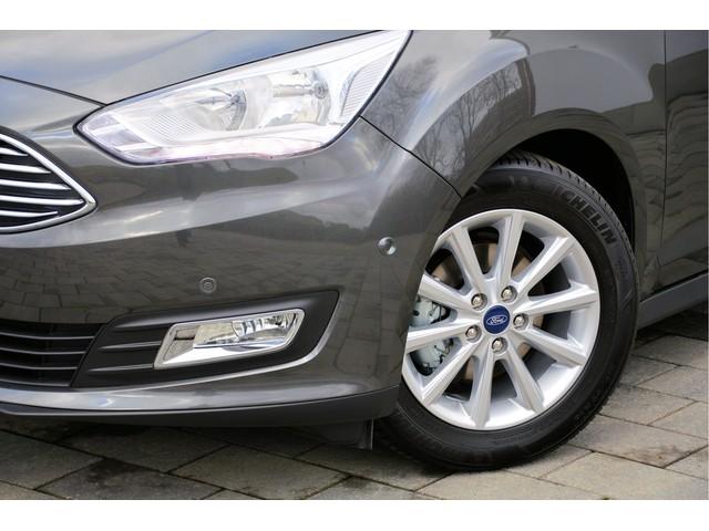 Ford C-MAX Titanium EcoBoost 125pk   Normaal € 35.489 - Voorraad Voordeel € 3.589 = Actieprijs € 31.900