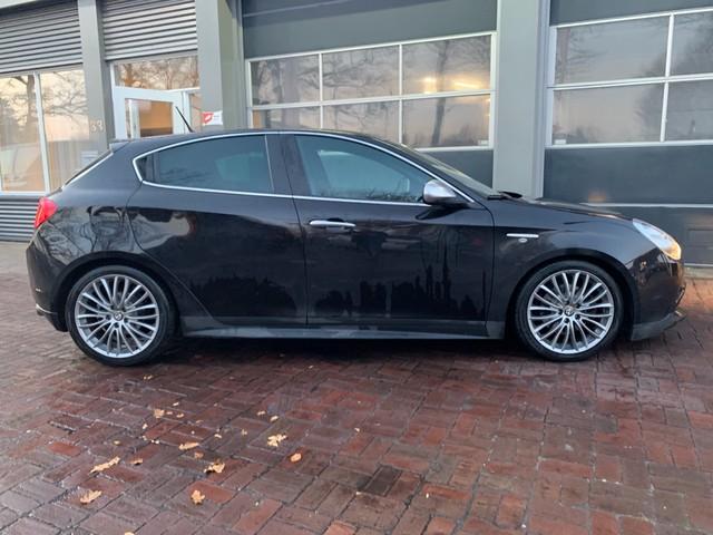Alfa Romeo Giulietta 2.0 JTDm Progression Leer,Automaat,Cruise,Cv Km 160.000 Dealer onderhouden