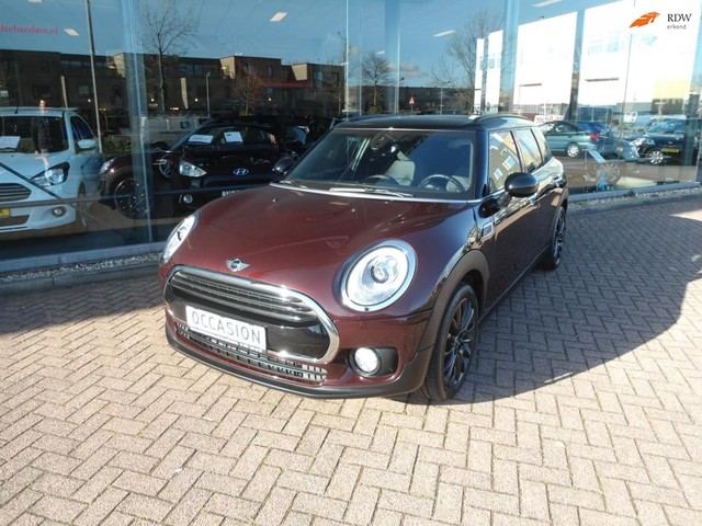 MINI Clubman 1.5 Cooper Pepper Serious Business AUTOMAAT