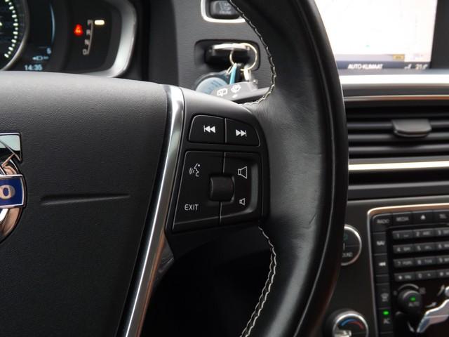 Volvo V60 2.4 D6 AWD ELECTRIC PLUG-IN HYBRID SUMMUM   On Call + Standkachel   Panoramadak   PDC v+a   Elektr Stoelen   Trekhaak