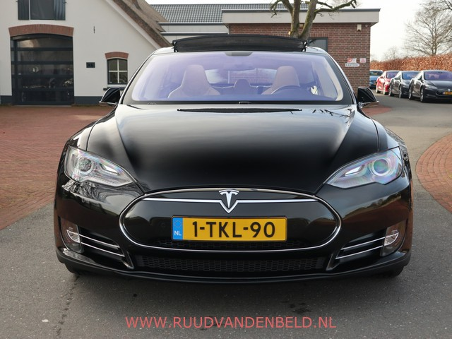 Tesla Model S 85 PANO LUCHTVERING DOLBY TECH DAB 32A