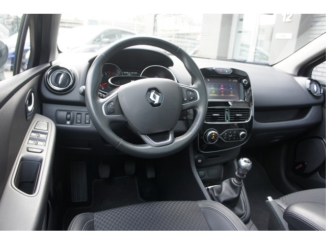 Renault Clio 1.2 TCe 120pk Bluetooth Cruise FullLed Navi Panorama PDC PrivacyGlass Trekhaak Velgen