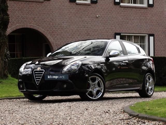 Alfa Romeo Giulietta 1.4 Turbo Sport Xenon Bose Leer Nav Stoelverw Visibility Pack!