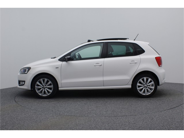 Volkswagen Polo 1.2 60PK Match | Panoramadak | Airconditioning | Stoelverwarming | Cruise Control | Parkeersensoren achter | 16 inch lichtmetale