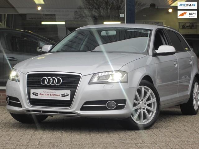 Audi A3 Sportback 1.6 Attraction Xenon Airco ECC Cruise Navi PDC Chrome MTF-stuur Dealer oh Nieuw
