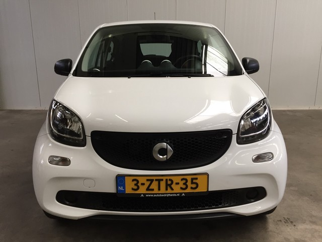 Smart Forfour 1.0 Essential Edition AIRCO ECC-AUDIO CD-ELECTR. PAKKET-CRUISE CONTROL 2e Paasdag Geopend!!