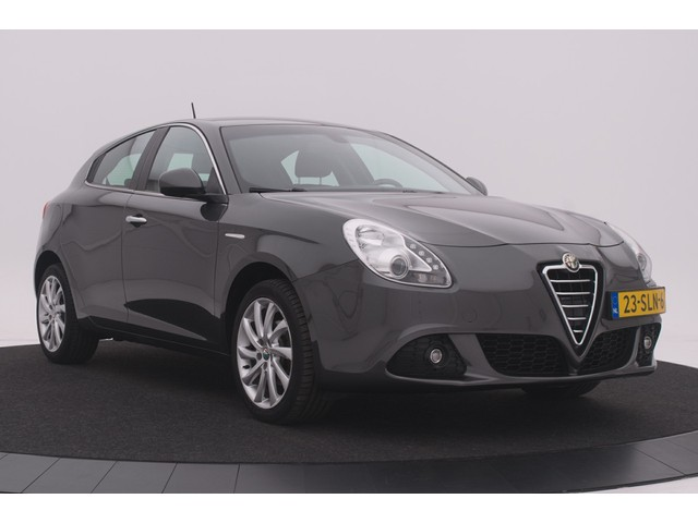 Alfa Romeo Giulietta 1.4 Turbo Distinctive | Navigatie | Climate control | Cruise control | Lichtmetalen velgen