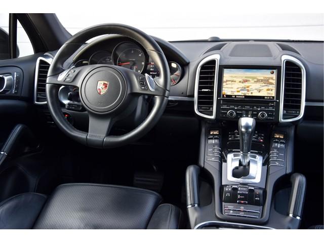 Porsche Cayenne 3.0 D Pano Xenon Memory LuchtV Trekhaak Aut8
