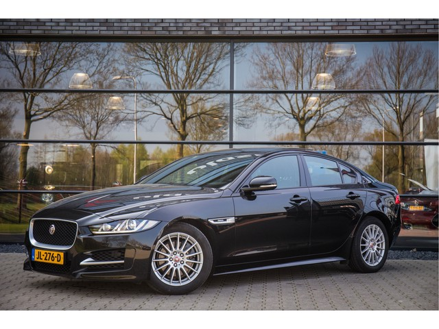 Jaguar XE 2.0 D Portfolio , MERIDIAN Sound, Schuif-kanteldak,