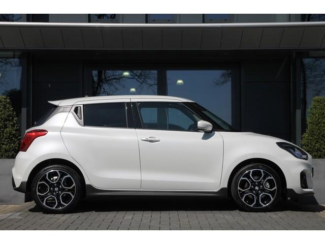 Suzuki Swift 1.4 Sport | 140pk | LED | Apple CarPlay | Navi | Keyless