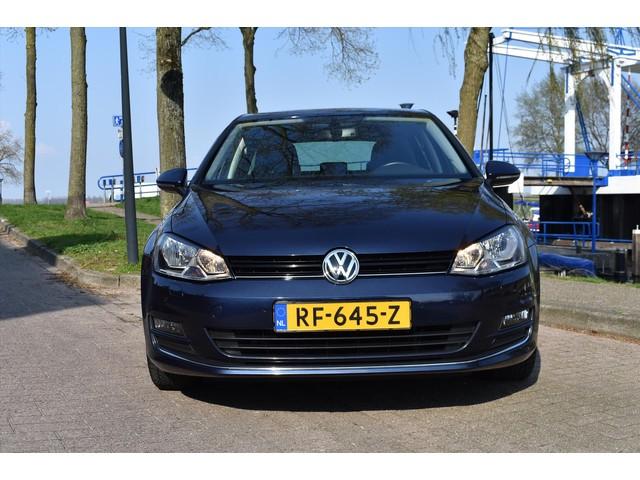 Volkswagen Golf 1.6 TDI AUT Conn. Series *Navi Clima*