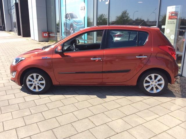 Hyundai i20 1.4i i-Catcher l airco ,parkeersen , achteruitrijcam l