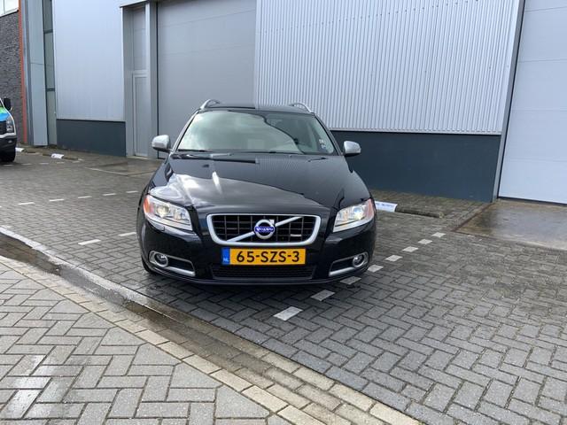 Volvo V70 2.0T R-Edition Automaat Leer, Navig., Climate, Crusie, Trekhaak, 18'' Lichtm. velg.