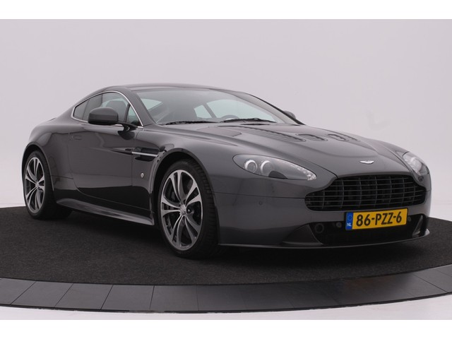Aston Martin V12 Vantage 6.0 V12 VANTAGE H6 CARBON; GEHEEL DEALER ONDERHOUDEN!