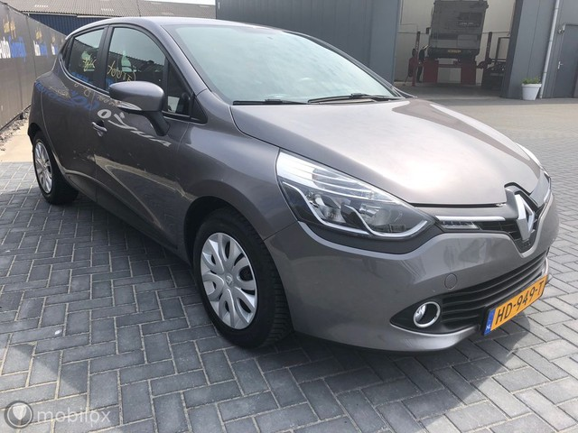 Renault Clio 1.5 dCi Expression 14% Navi,pdc 41 Dkm BJ 2015