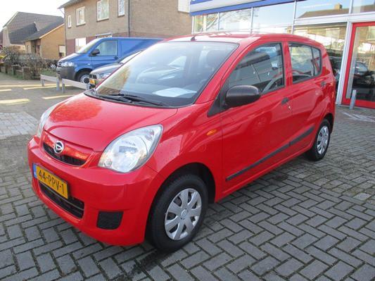 Daihatsu Cuore 1.0 Comfort 2e eigenaar! dealer NL auto! 5 deurs! 2011!