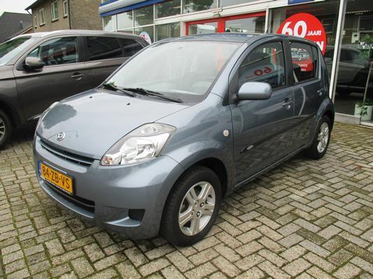 Daihatsu Sirion 2 1.3-16V Prestige AUTOMAAT! 2e eigenaar! dealer NL auto! airco! momo edition!