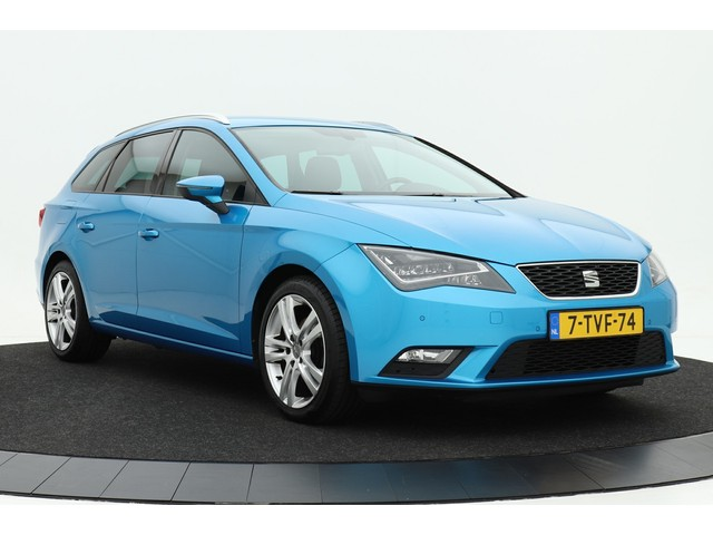 Seat Leon ST 1.6 TDI Style Business | Navigatie | Leer Alcantara | LED verlichting | Cruise control