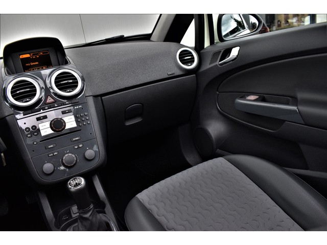 Opel Corsa 1.4 16V Cosmo OPC Line Panorama H.Leer Climate Pdc Lmv 128dkm NAP