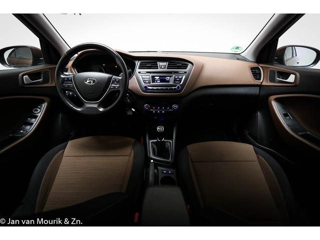 Hyundai i20 1.2 HP i-Motion Comfort   CLIMA   CRUISE   TREKHAAK
