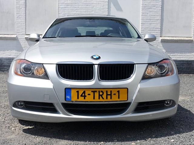 BMW 3 Serie 330i High Executive 232pk M-Sport Aut - Schuifdak-Sportleer-Navi-Xenon
