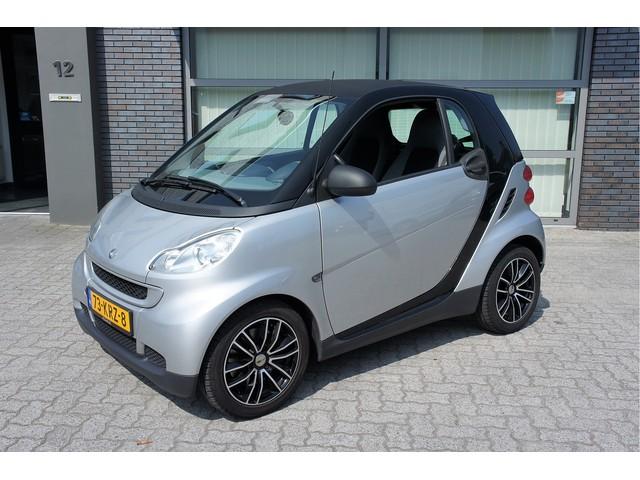 Smart Fortwo coupe 1.0 mhd Pure Plus Automaat Airco Bluetooth CarbonDak Velgen