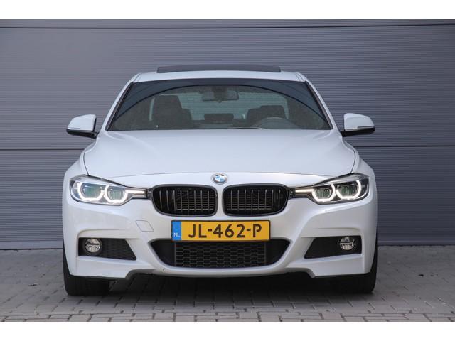 BMW 3 Serie 330e M-Pakket Incl. BTW Schuifdak Leer 19''
