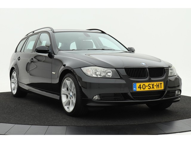 BMW 3 Serie 318d Introduction   Navigatie   Leder   Climate control   18 inch velgen   Stoelverwarming