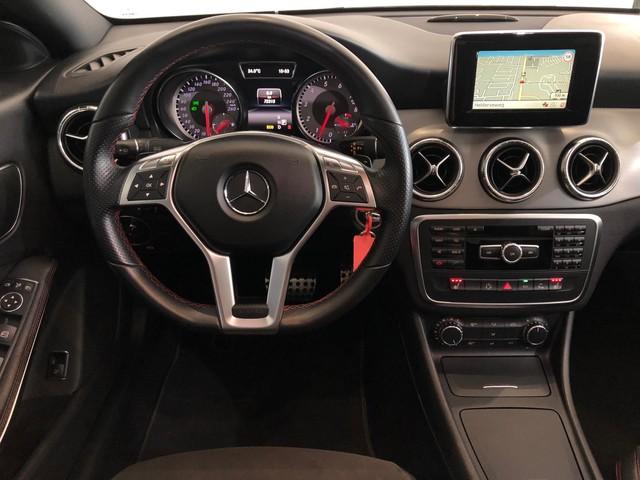 Mercedes-Benz CLA-Klasse 200 AMG-Line, Panorama, Xenon!