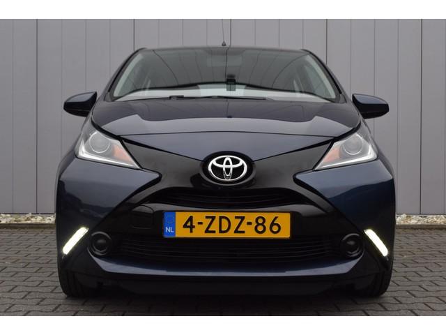 Toyota Aygo 1.0 VVT-i 5Drs X-Play Full Map Navi, Airco, Telefonie, Camera, Dealer Onderhouden!!