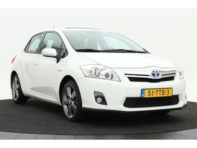 Toyota Auris 1.8 Full Hybrid Executive   Navigatie   Xenon   Schuifdak   17 inch velgen   Climate control