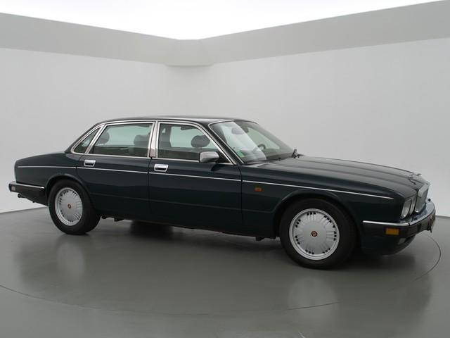 Daimler Double Six 6.0 V12   323 PK   UITSTEKENDE STAAT!