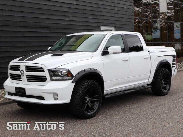 Dodge Ram 1500 | SPORT | Lift & Wide Body | 5.7 V8 HEMI | 4x4 | Crew Cab 5'7 | Black Edition | Wij hebben te koop een grote voorraad nieuw